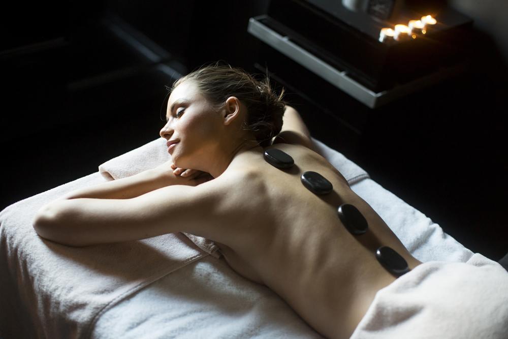 hot stone massage roma via tripoli centro estetico SunBody